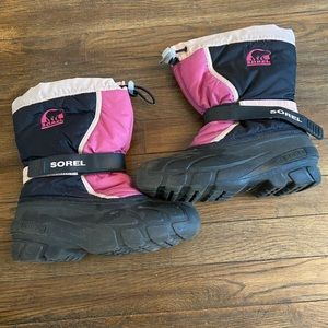 Sorel Snow boots black and pink girls size 4